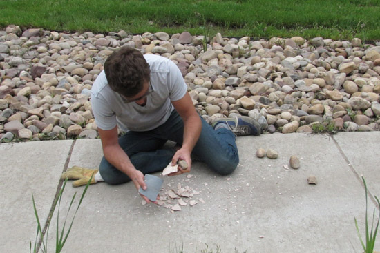 Making stone tools in Julien Riel-Salvatore's Maymester course. Photo by Patrick Smythe