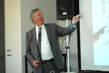 Economist Bluford Putnam discusses quantitative easing at CU Denver Business School lecture