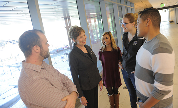 CU Denver Chancellor Dorothy Horrell visits with students