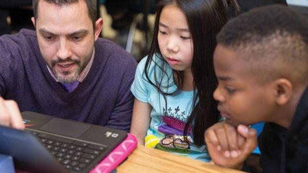 Robert Thelen teaching kids
