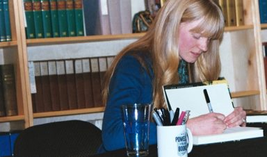 Emily Ruskovich signs copy of her first novel, Idaho. (Photo by Molly McPhee)