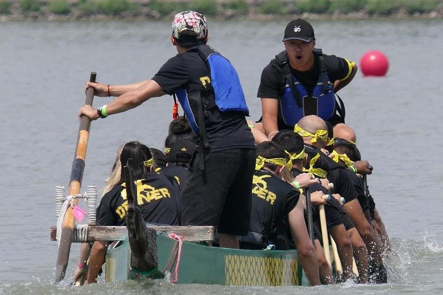 CU Denver Dragon Boat team rowing
